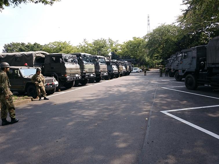 あきる野市 阿伎留台公園自衛隊車両2